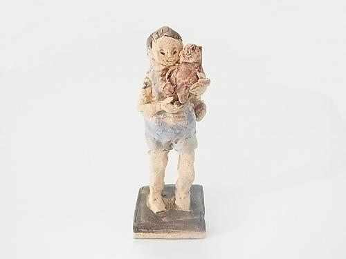 どうぶつだっこ (たぬき) 【にしだ みき 】陶人形