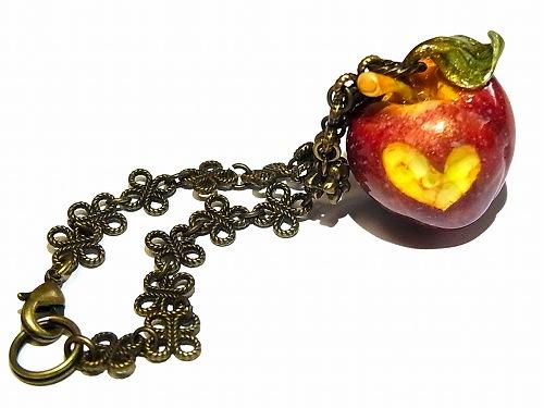毒りんご バックチャーム【Wadou-koubou/和道工房】樹脂粘土 アクセサリー